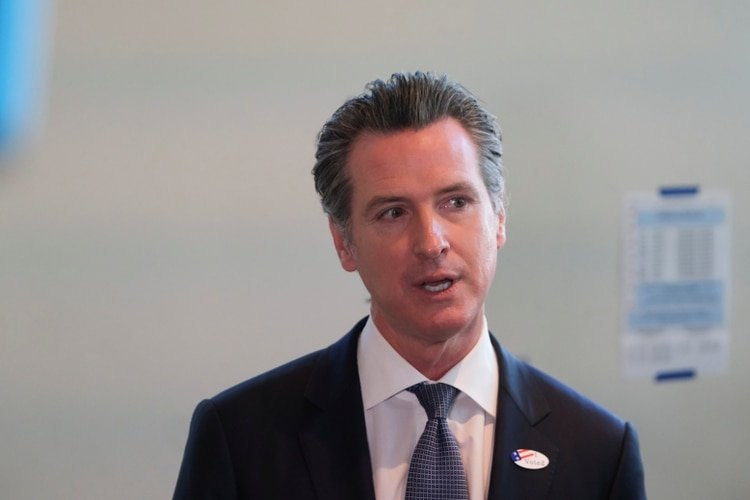 El gobernador de California, Gavin Newsom. Foto: REUTERS/Gabriela Bhaskar