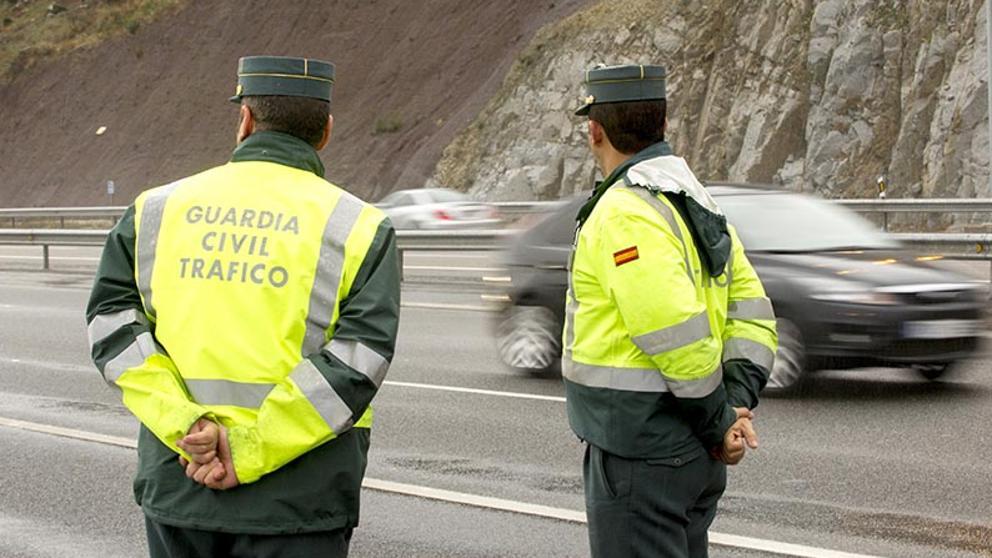 Ocho guardias civiles de Zaragoza, en cuarentena tras ser escupidos por una detenida con coronavirus