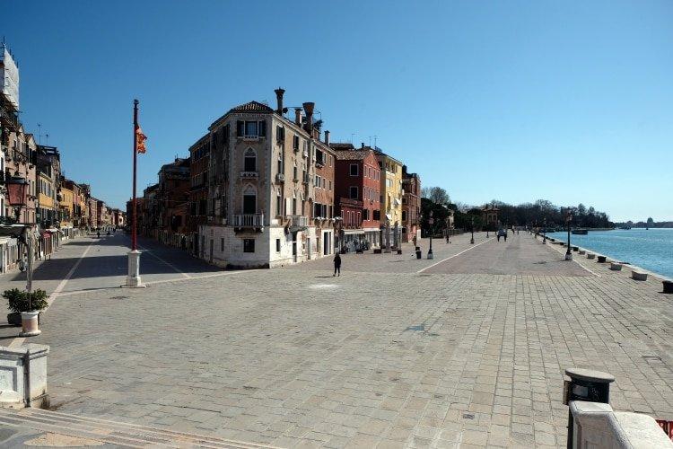 Una calle vacía en Venecia (REUTERS/Manuel Silvestri)