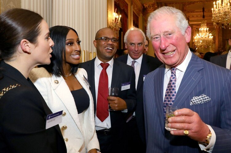 Una de las más recientes apariciones públicas del príncipe, en una recepci{on en Londres el 9 de marzo (Reuters)