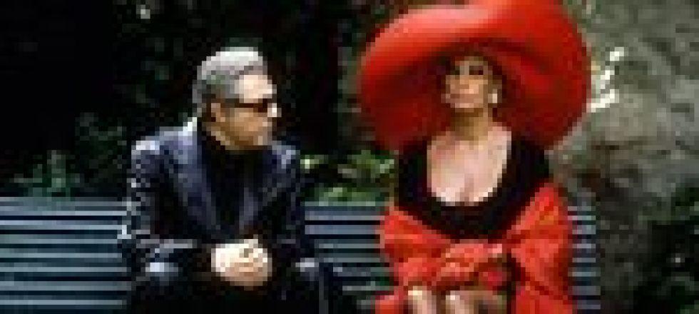 Sophia Loren (vestida de Dior) y Marcello Mastroianni, en un fotograma de Prêt-à-Porter. (Foto: Miramax)