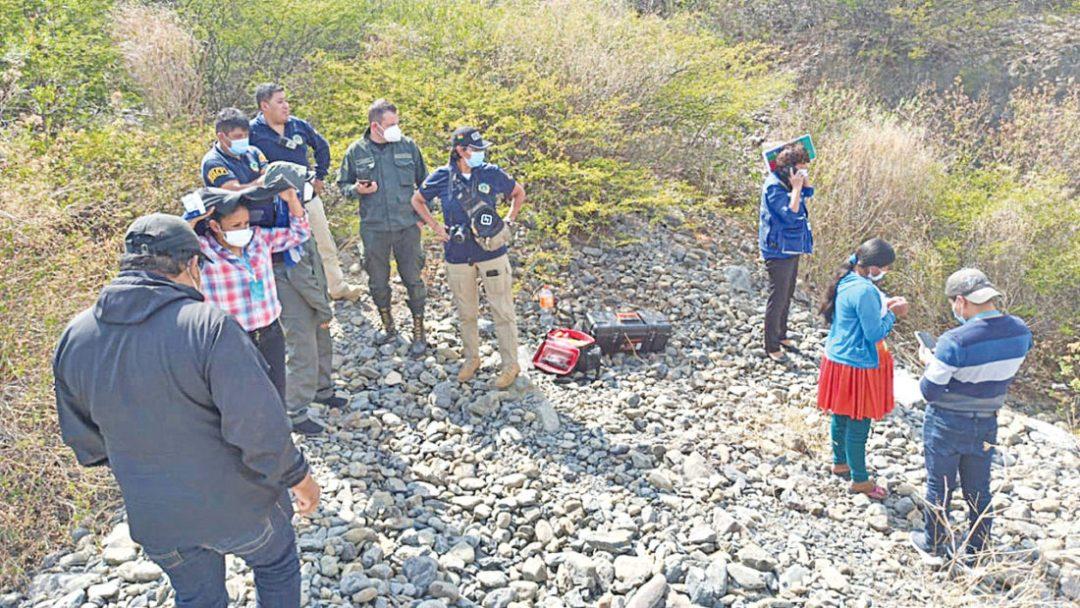 La principal sospechosa del crimen dirige a los investigadores a la zona donde dejó el cadáver del niño, en Vinto. PolicÍa