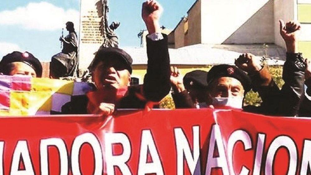 MIEMBROS DE LA COORDINADORA DE LA DEFENSA DE LA DEMOCRACIA AFÍN AL MAS, QUE LA SEMANA PASADA PIDIÓ QUE SE AUTORICE LA CONFORMACIÓN DE MILICIAS ARMADAS.