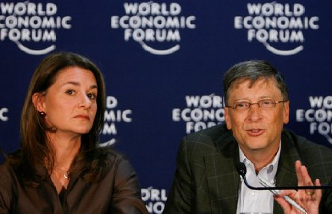 Bill y Melinda en el World Economic Forum en Davos en 2009 (REUTERS/Christian Hartmann/archivo)