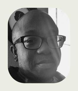 Ebony_BW_Off_White_Frame_2