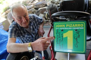 Angelo Parrilla with his message to Australian karting legend John Pizarro (Photo:Karting.net.au)