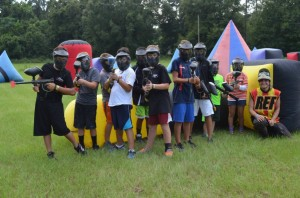 Racers getting ready for paintball battle (Photo: RokCupUSA.com)