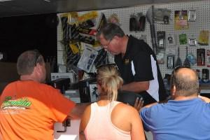 George Sieracki providing the great trackside support for Franklin Motorsports (Photo: Kathy Churchill   - USPKS)