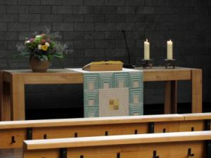 neue_kirche_altar