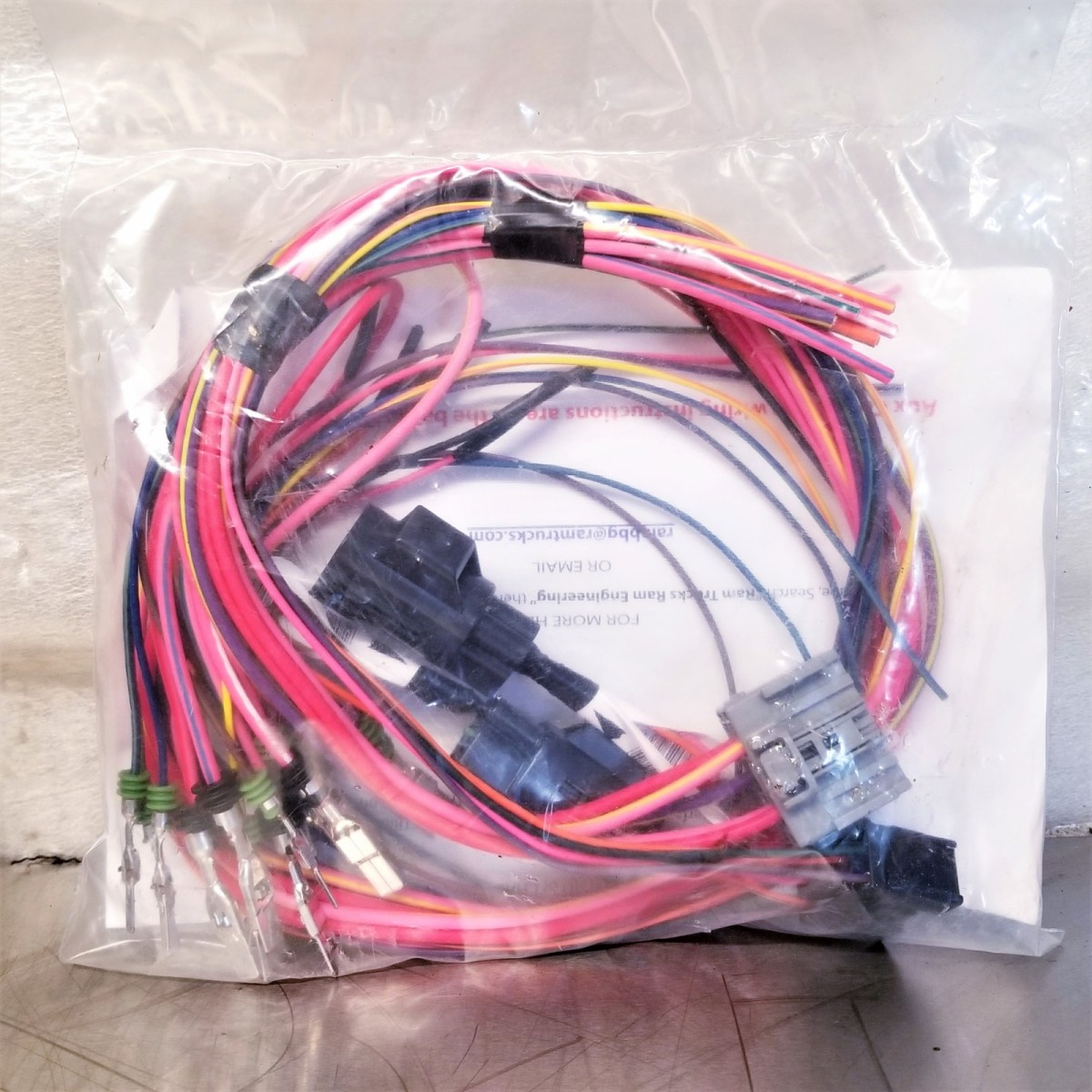 Dodge Ram Aux Switch    Upfitter Wiring Kit  P68209998ac