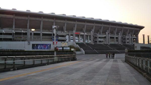 日産スタジアムの東ゲート側