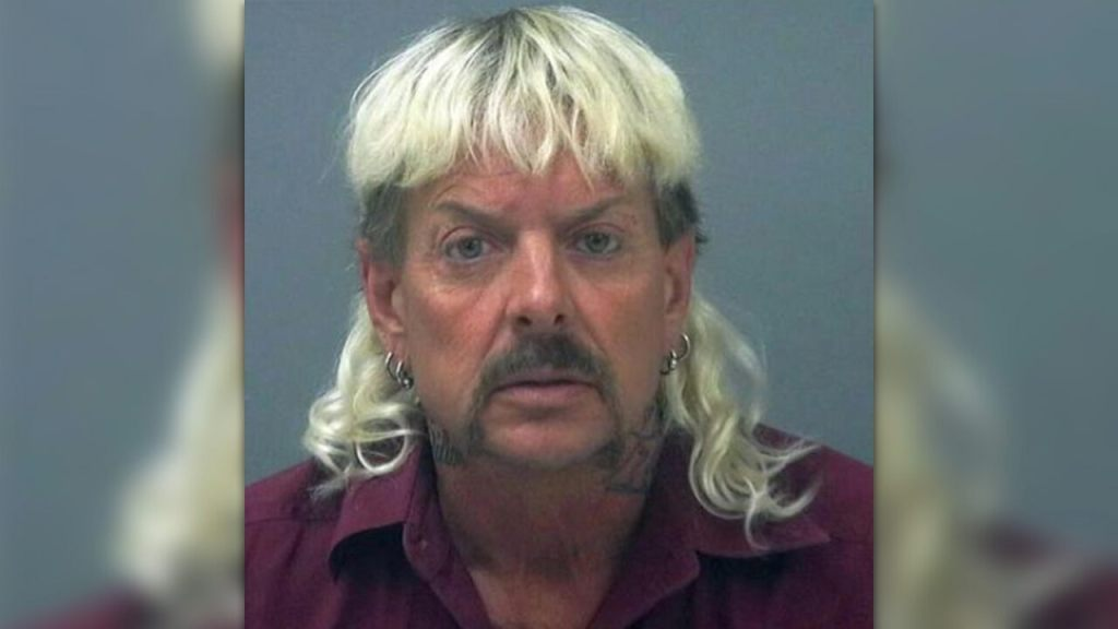 'tiger-king'-star-joe-exotic-pleads-for-trump-pardon-in-personal-letters:-'be-my-hero'