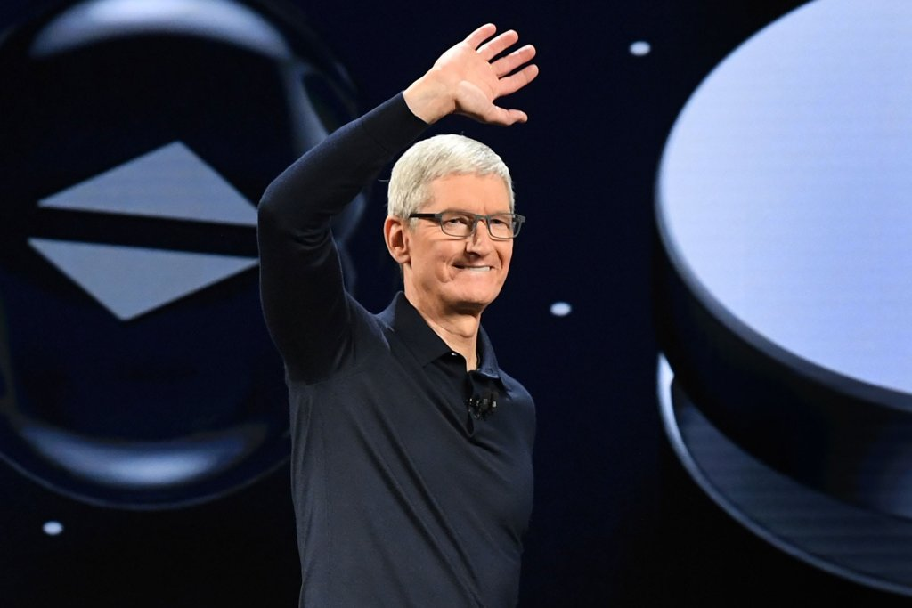 tim-cook-in-an-empty-theater:-covid-19-will-mute-apple's-glitzy-product-launch-event