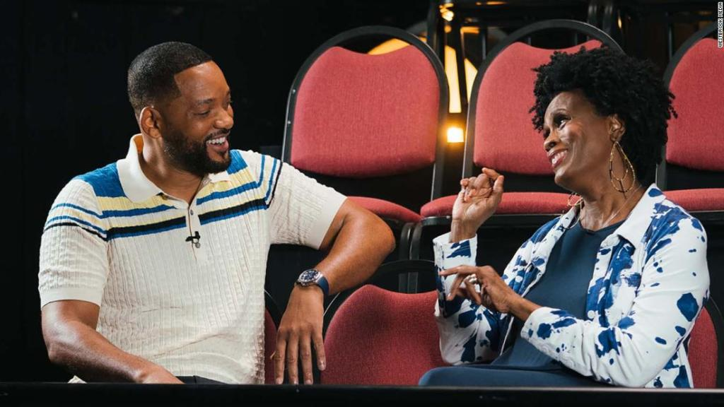 original-'aunt-viv'-appears-in-will-smith's-first-look-at-'fresh-prince'-reunion