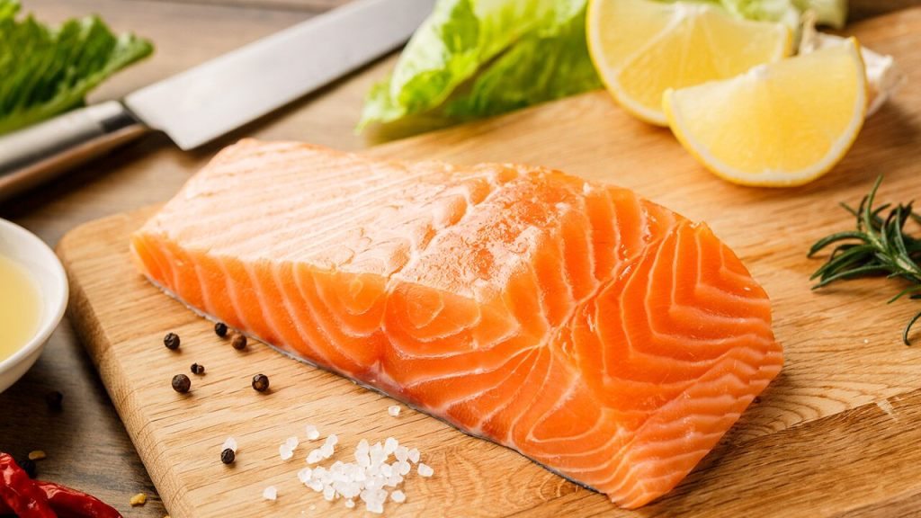 infectious-coronavirus-found-on-salmon-for-up-to-a-week,-study-suggests