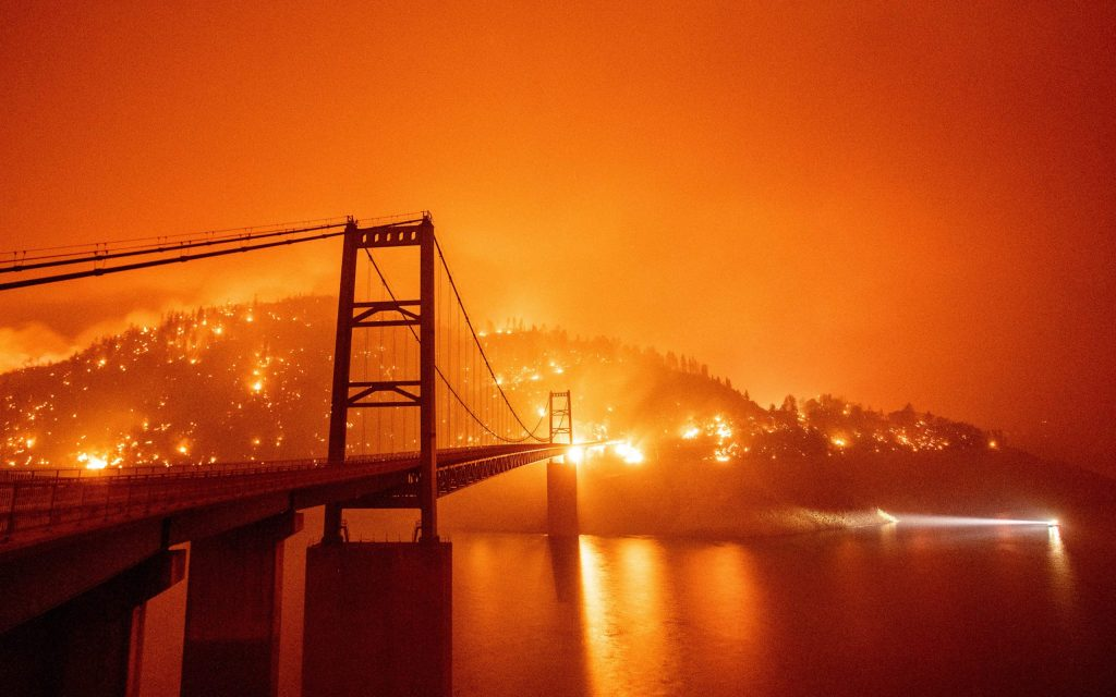california's-raging-wildfires:-bay-area-skies-turn-an-eerie-orange