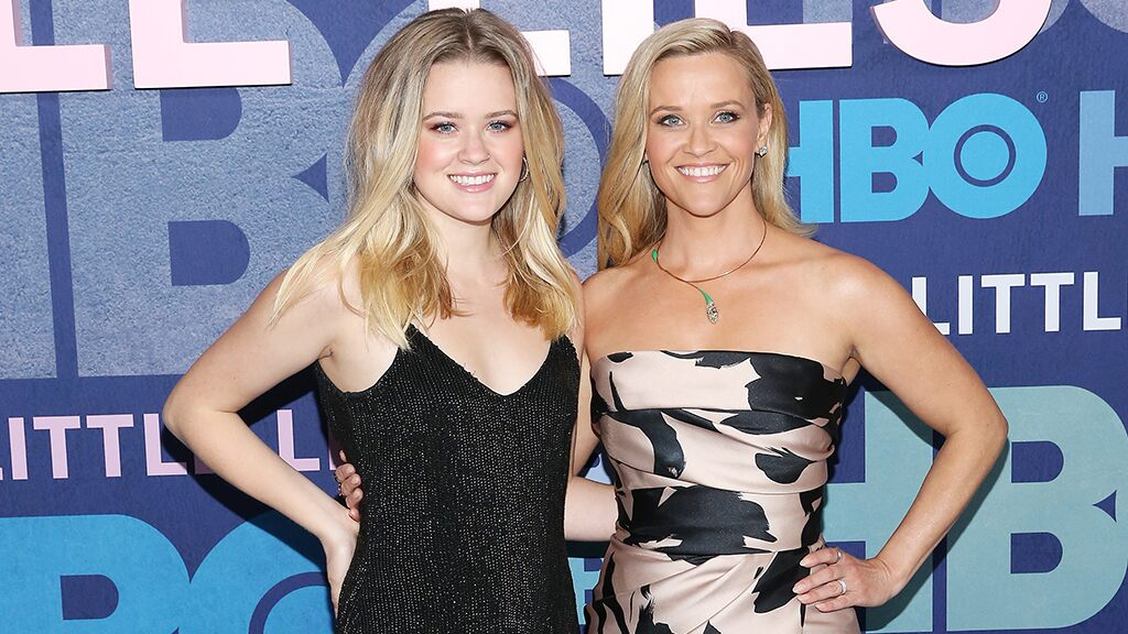 Reese Witherspoon and daughter Ava stun fans as they twin in matching sweaters: 'Who is who?'
