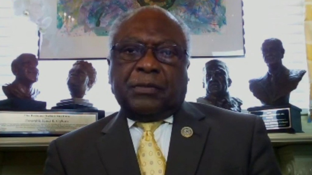 Clyburn accuses resigning Trump Cabinet members of 'running away' from 25th Amendment duty