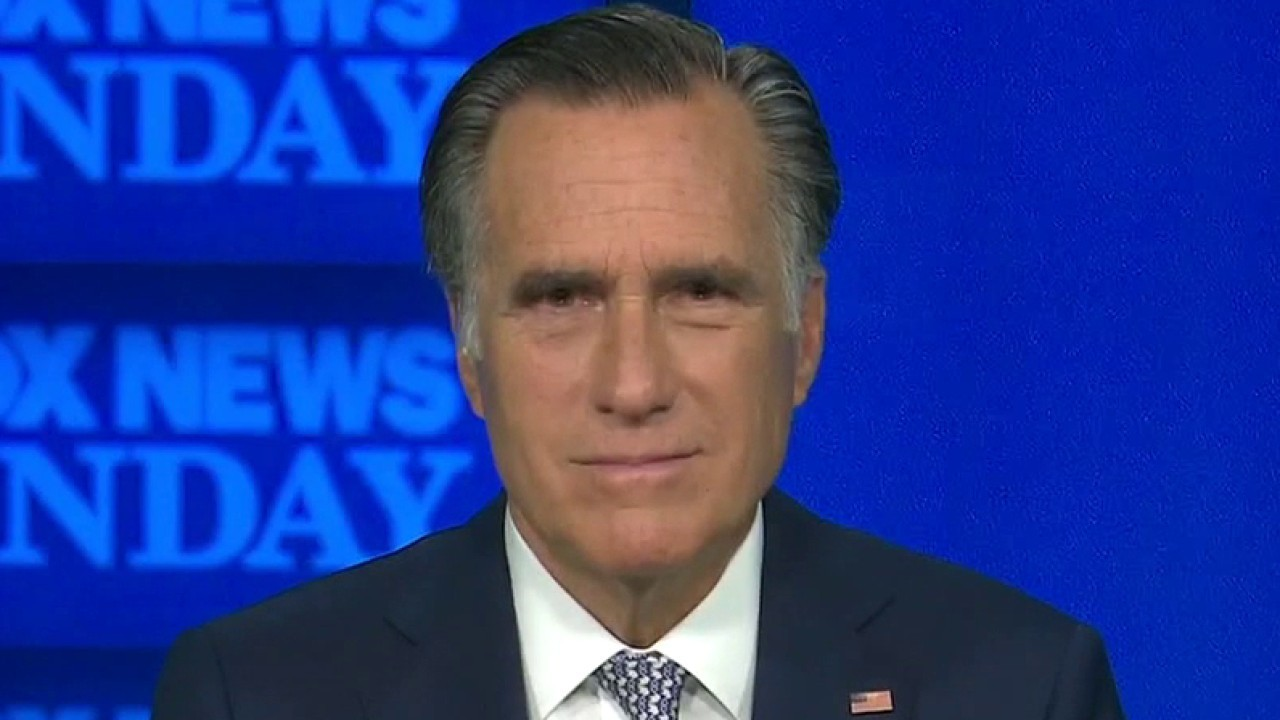 Romney jokes about recent fall, 'I went to CPAC'