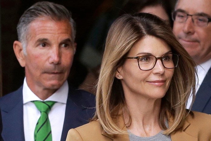 Lori Loughlin, Mossimo Giannulli ask court for travel permission to Mexico