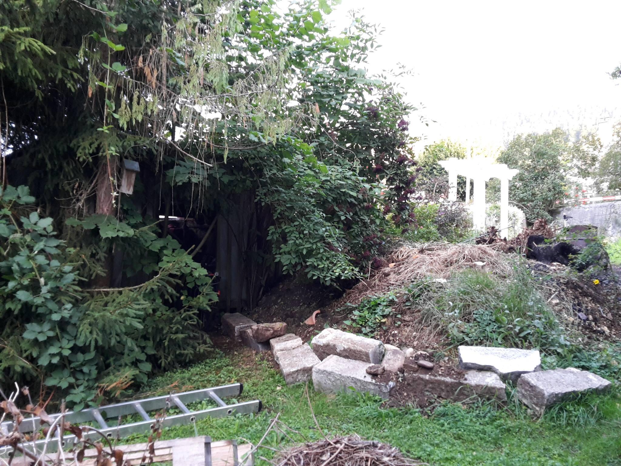 nettoyage et remblai pour niveler le terrain en vue de la terrasse le jardin du 19 me. Black Bedroom Furniture Sets. Home Design Ideas