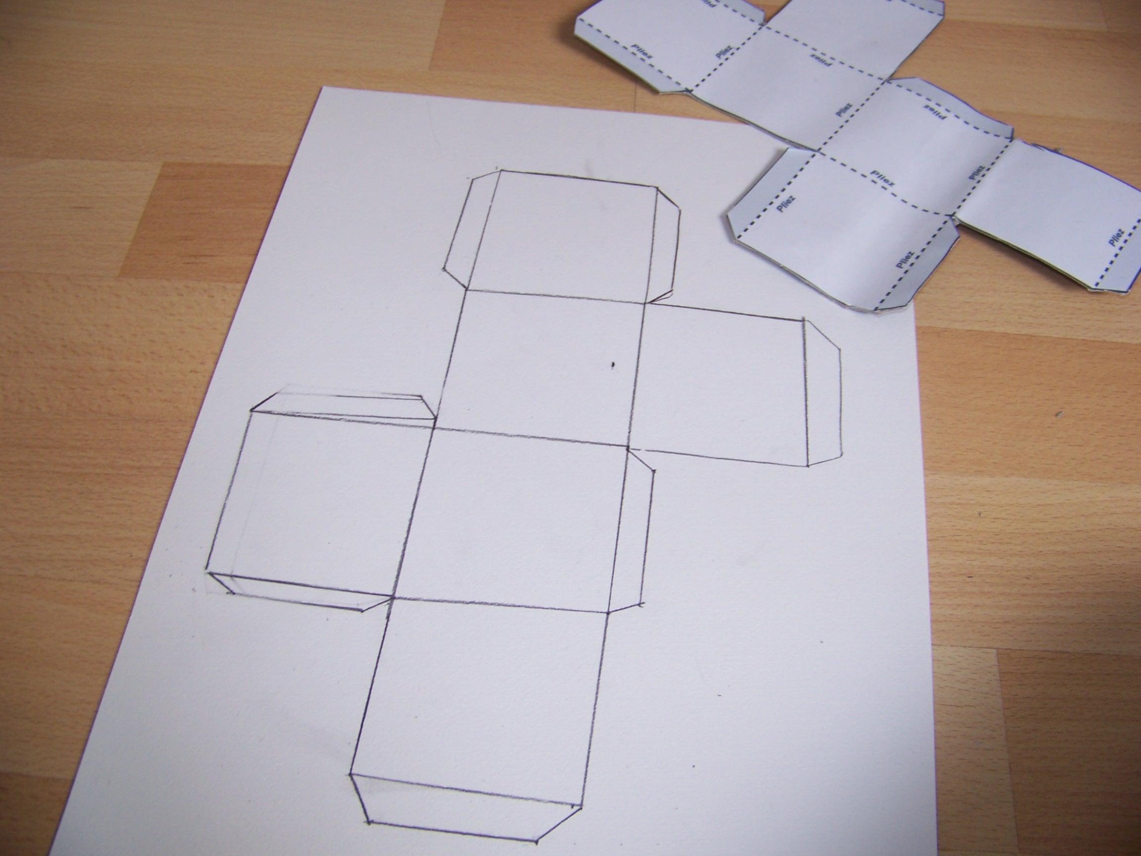 Maison En Papier A Construire Cheap Decoration En Papier