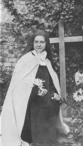 Thérèse de Lisieux, la sainte aux pluies de roses