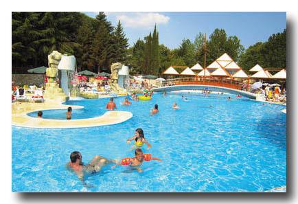 Les piscine  gwendodo17210