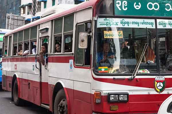 bus-birmanie-1