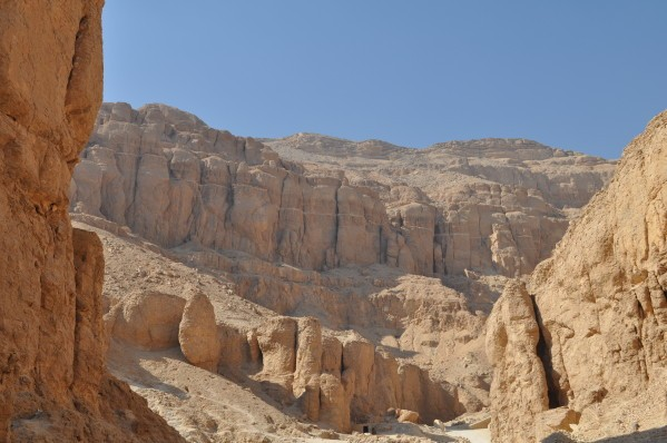 Égypte : découverte de deux nouveaux sites archéologiques (vidéo) By Jack35 W-dBOg1ReIoeHMYFoMuphEYCGaM