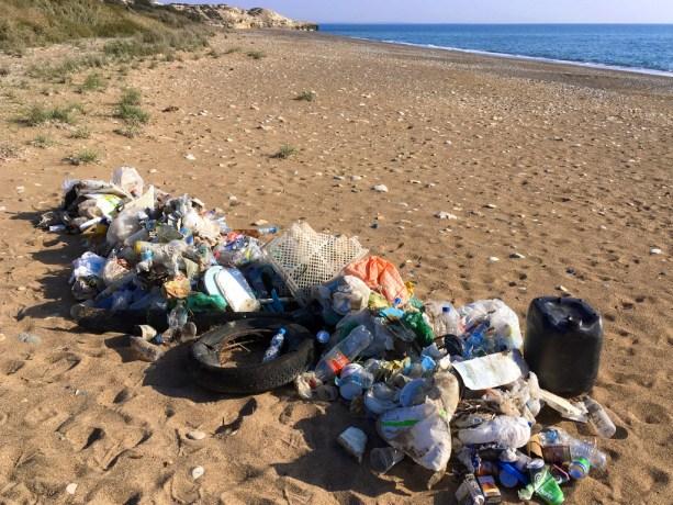 trash-on-the-beach-photo