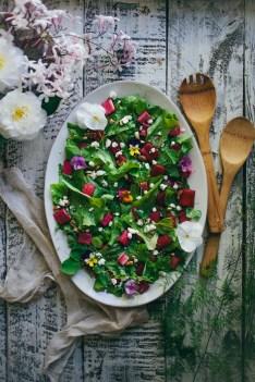 Inspirace na jarní salát s rebarborou