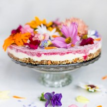 """Flower power"" raw vegan dortík"