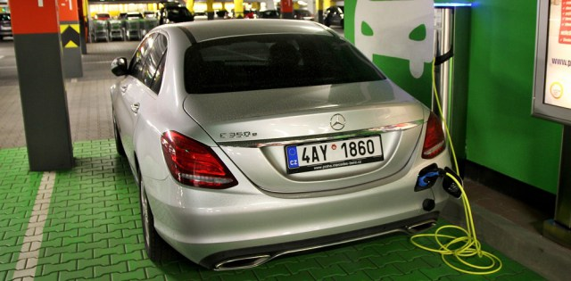 test-mercedes-benz-c-350e-plug-in-hybrid-p2