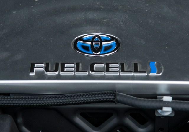 toyota-logo-fuel-cell-vodik