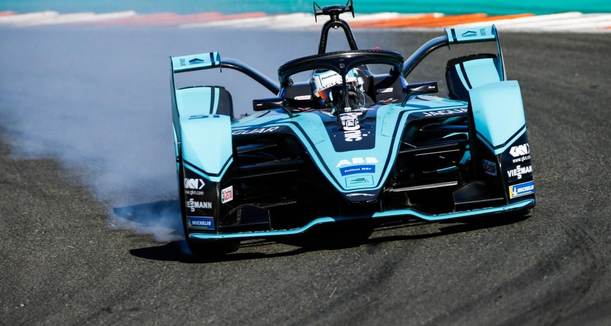 James Calado (GBR), Panasonic Jaguar Racing, Jaguar I-Type 4, locks up