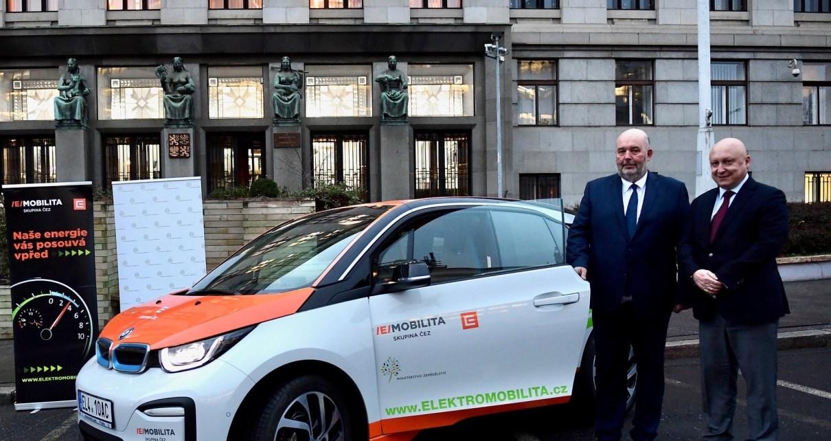 ministerstvo-zemedelstvi-CEZ-bmw-i3-elektromobil