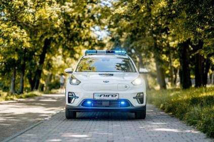 FOTO9_Kia_Predani modelu e-Niro MP Tabor_policejní majáky a výstražná světla