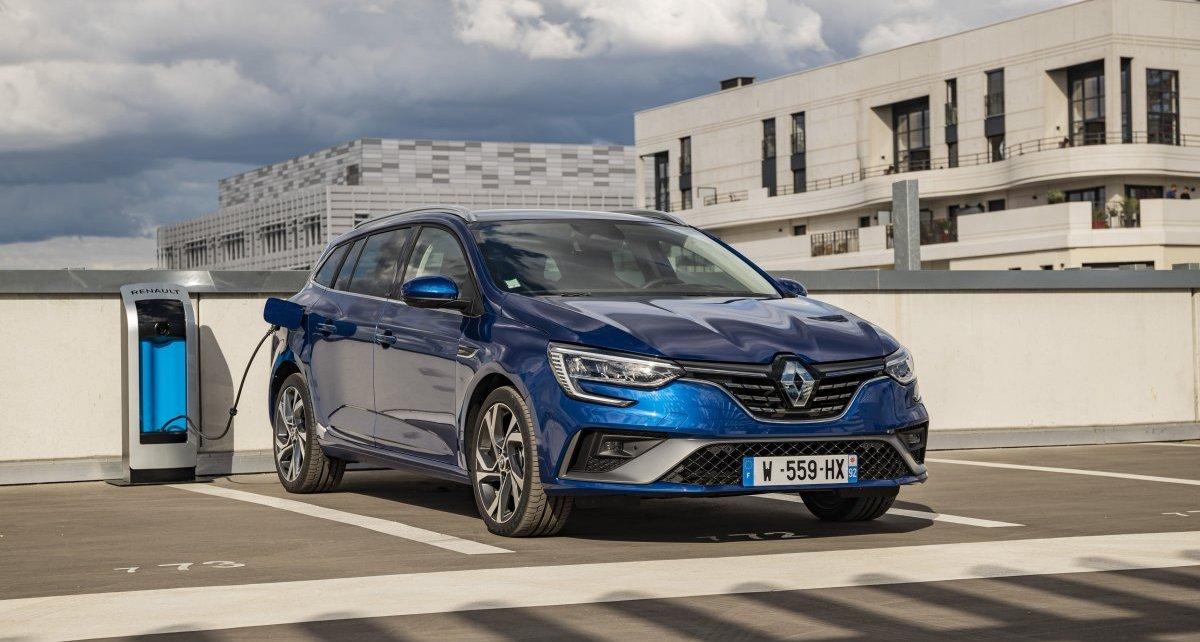 2020-Renault_Megane_Grandtour_E-TECH-plug-in_hybrid-1