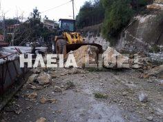 Βράχοι πλάκωσαν σπίτι στη Ζαχάρω! Τρομακτικές εικόνες! [pics]