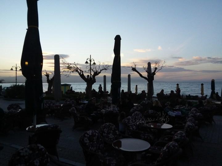 Καλάμια τώρα: Σήμερα Κυριακή οι Κορίνθιοι τίμησαν δεόντως την Παραλία τους.