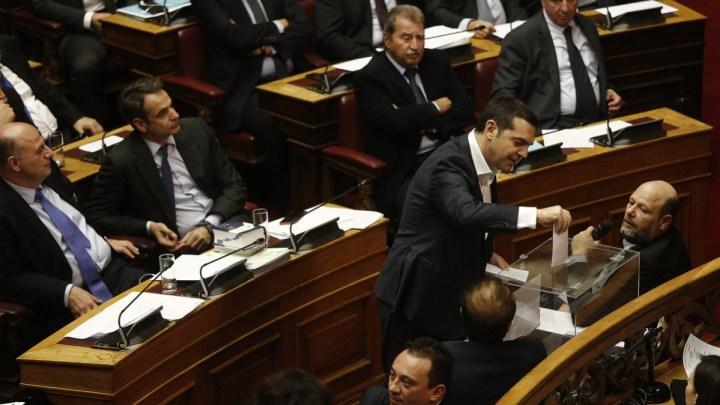 Το έκκεντρο Ελληνικό πολιτικό σύστημα και η πιθανότητα μιας «Ελληνικής Άνοιξης»