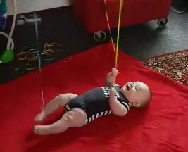 Πώς να διασκεδάσετε το μωρό σας χωρίς να κουραστείτε