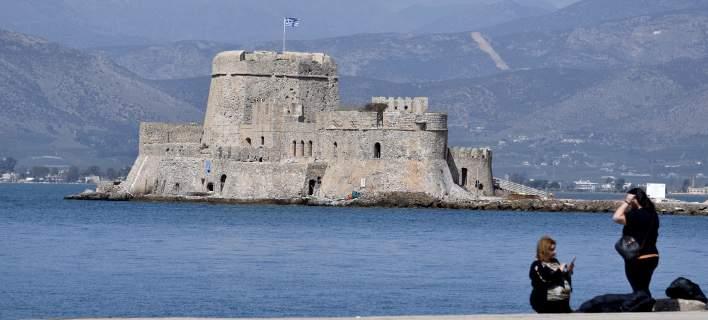 «Βούλιαξε» η Πελοπόννησος-Πληρότητα 100% στο Ναύπλιο, γεμάτες Μονεμβασιά και Καλαμάτα