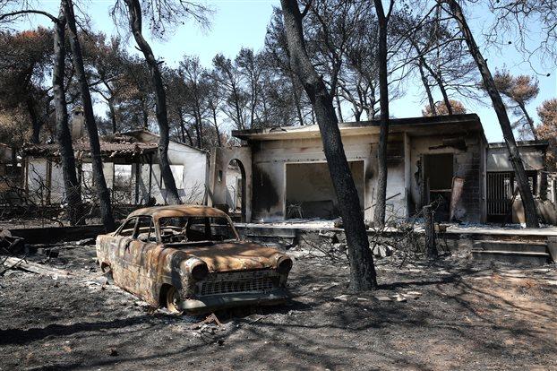 Μάτι : Κατεδαφίζονται τα πρώτα «κόκκινα» κτίρια