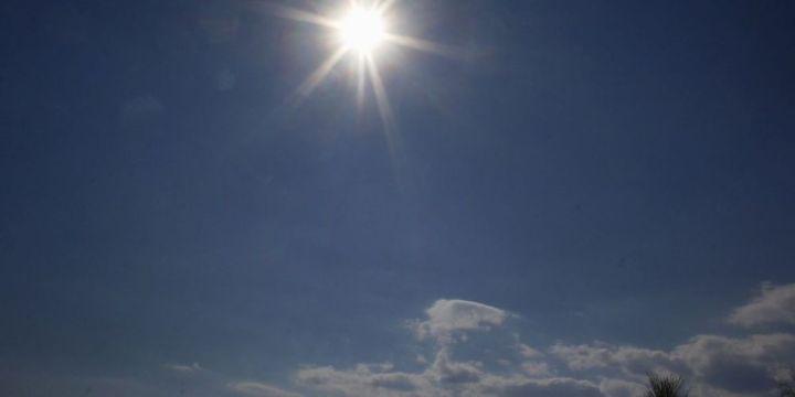 Αίθριος καιρός σε όλη τη χώρα, στους 34 βαθμούς η θερμοκρασία