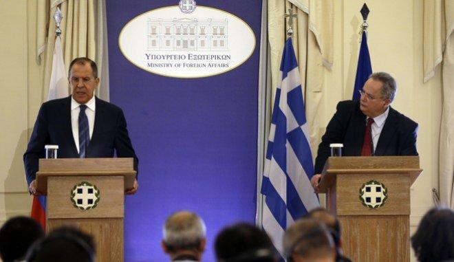 Οργή στην Ελλάδα για τις απελάσεις