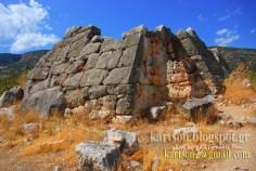 Η Ελληνική Πυραμίδα που δεν θέλουν μήπως και αλλάξει την ροή του τουρισμού αλλά και για άλλους λόγους.