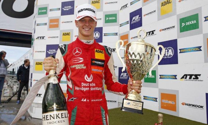 Πρωταθλητής στη EuroF3 ο Schumacher!