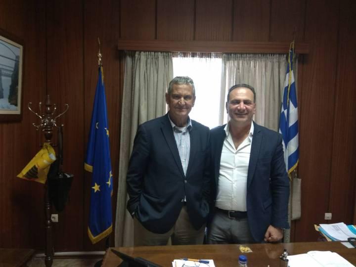 Συνάντηση στο Επιμελητήριο Κορινθίας του Προέδρου κ. Πιτσάκη και του Προέδρου του Λιμενικού Ταμείου Κορίνθου κ. Φαρμάκη.